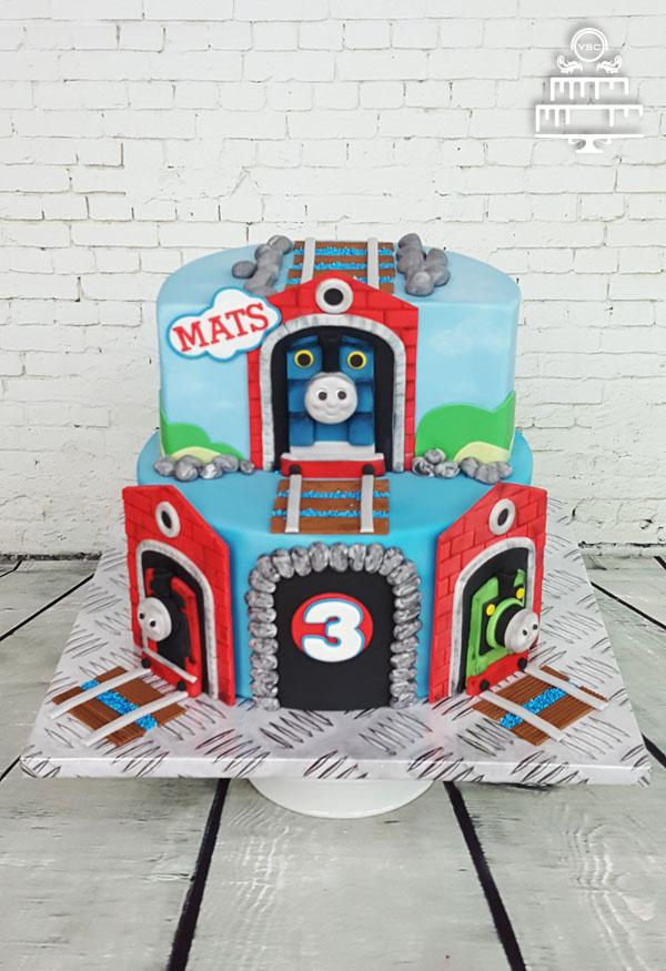thomas de trein taart Thomas de Trein taart • Yummie Sweet Cakes thomas de trein taart