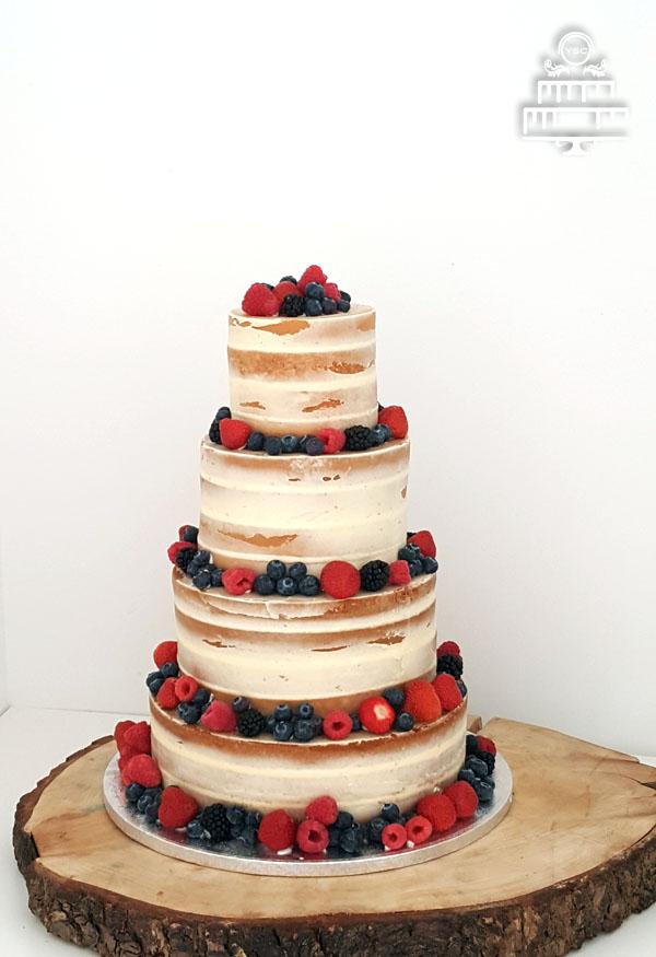 naked cake met vers fruit