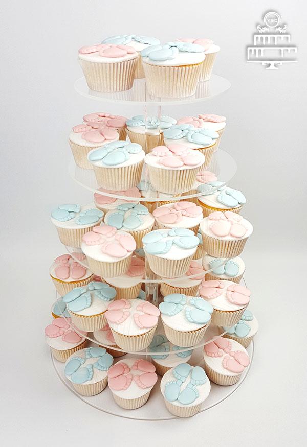 cupcakes met babyvoetjes