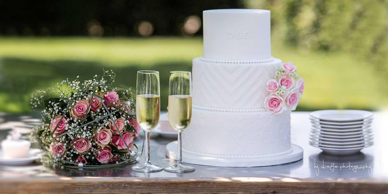 Bruidstaart Apeldoorn Bruiloft Buiten