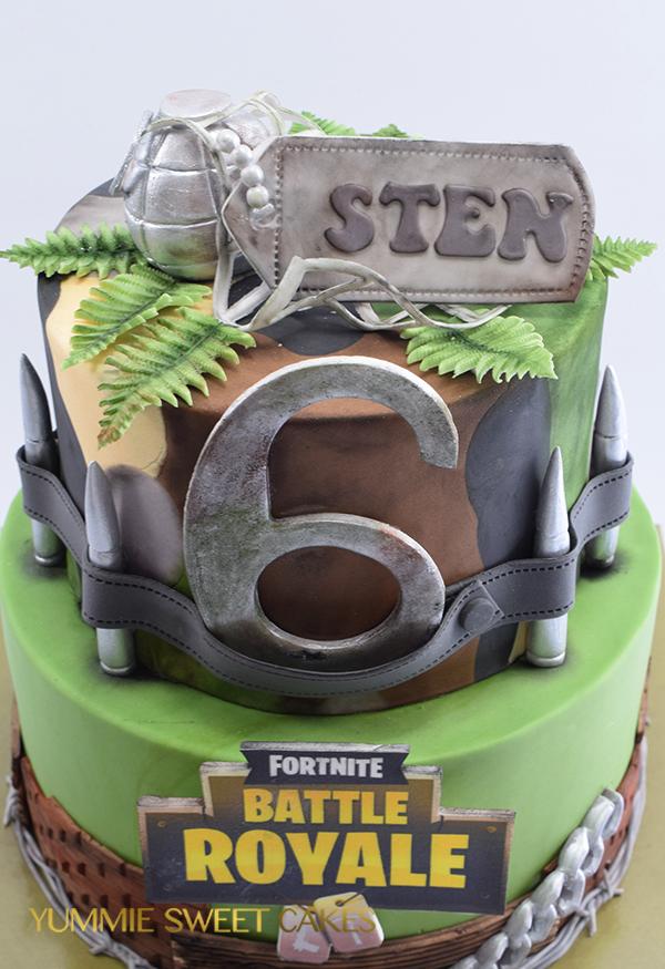 Geliefde Het populaire spel Fortnite op een taart • Yummie Sweet Cakes • @RU28