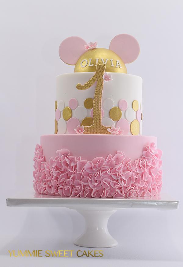 Een Minniemouse taart voor eerste verjaardag