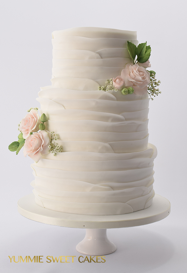 Suikerbloemen op een bruidstaart