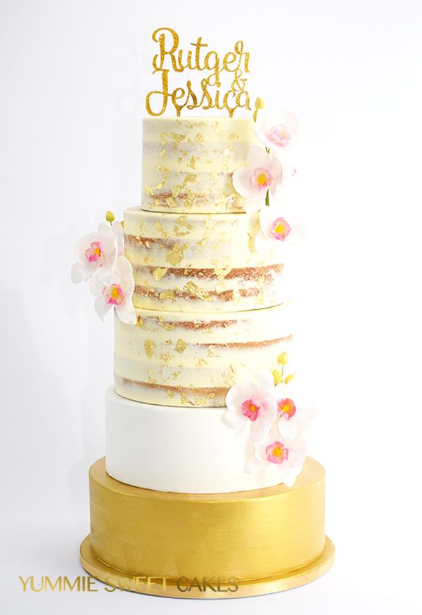 Bruidstaart met bloemen cascade • Yummie Sweet Cakes