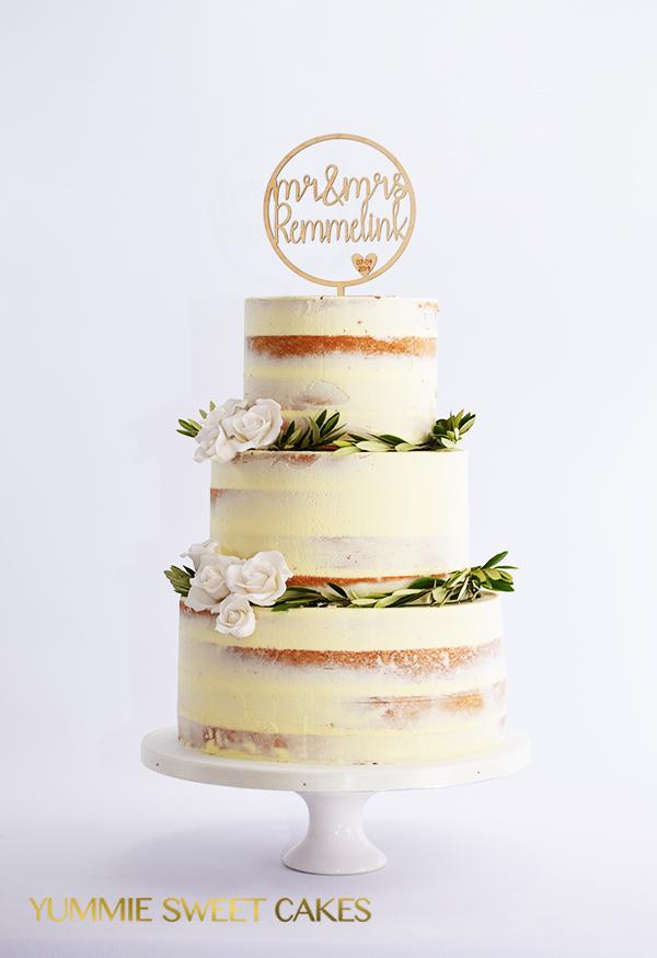 Een heerlijke naked cake met bloemen