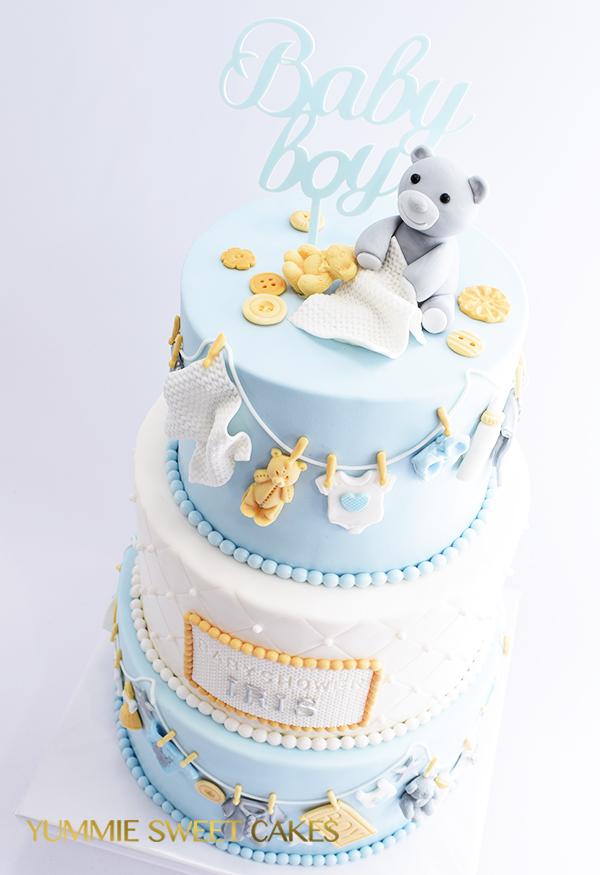 Licht blauwe babyshowertaart