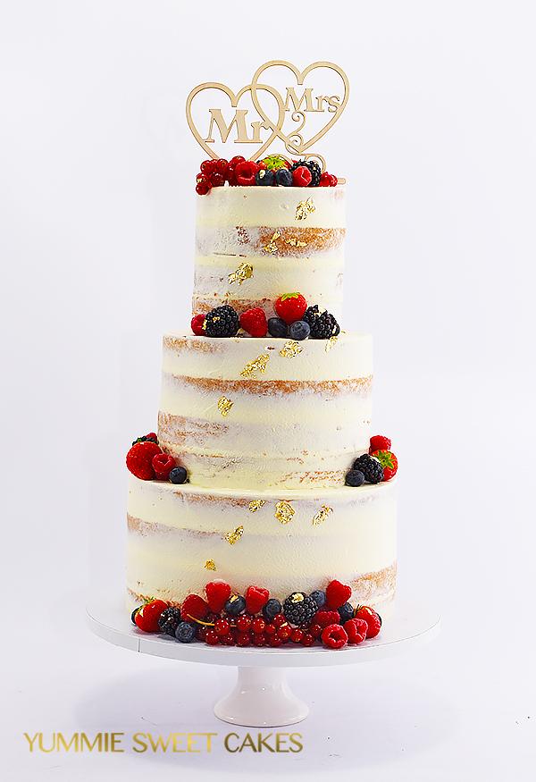 Naked cake van 4 lagen met vers fruit