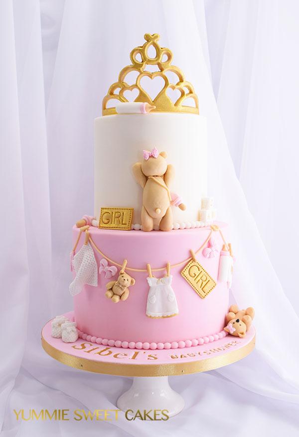 Een taart voor een babyshower feestje